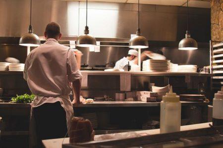 restaurant-2623071_640_800x532